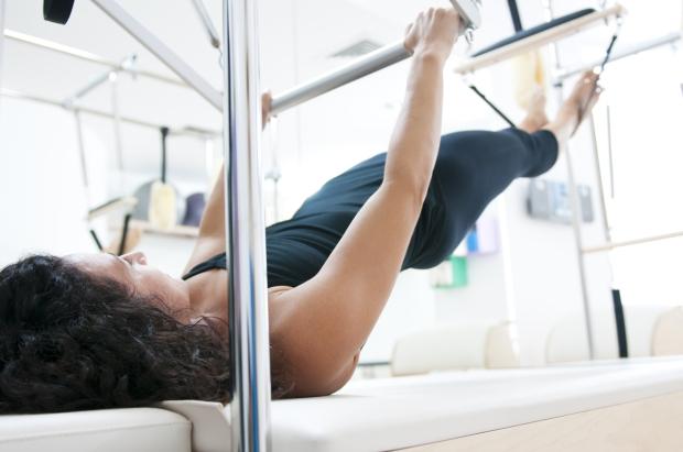 Pilates en postnatal pour récupérer rapidement