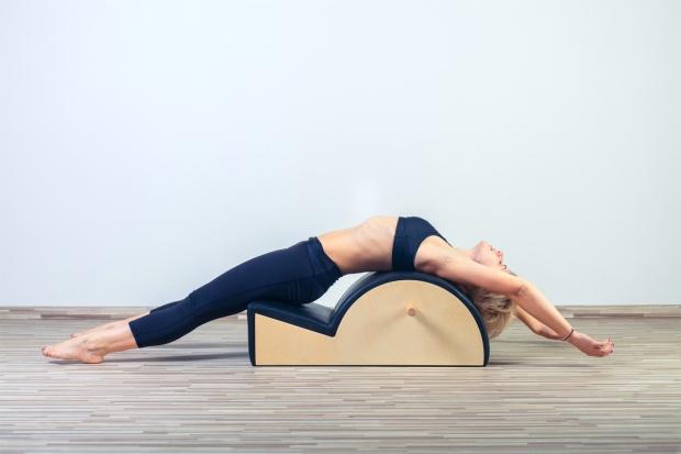 Pilates-Exercice-Souplesse-du-Dos